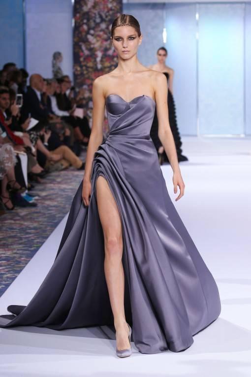 Роскошное вечернее платье в элегантном сером цвете