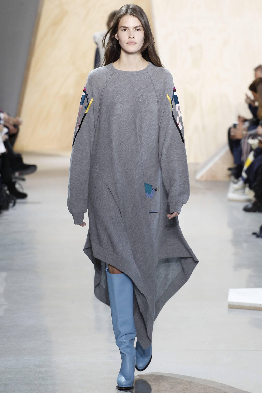 Туника модного серого цвета модный серый цвет