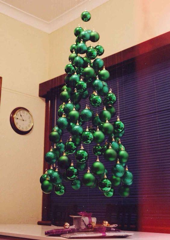 как украсить елку как нарядить елку своими руками елка на потолке