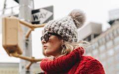 модные шапки 2018 2017 шапка с помпоном как носить