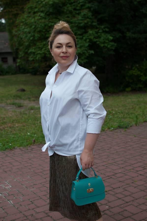 стоит ли покупать дешевые вещи золотая юбка с люрексов тонкая юбка белая рубашка