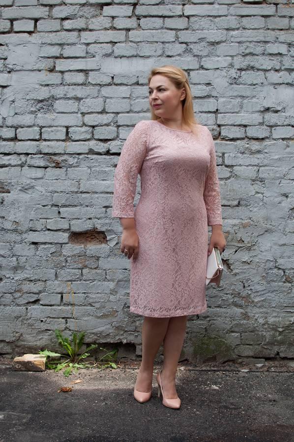 Кружевное платье, клатч, нейтральные лодочки