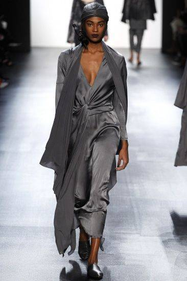 Платье цвета shark Skin модный серый цвет